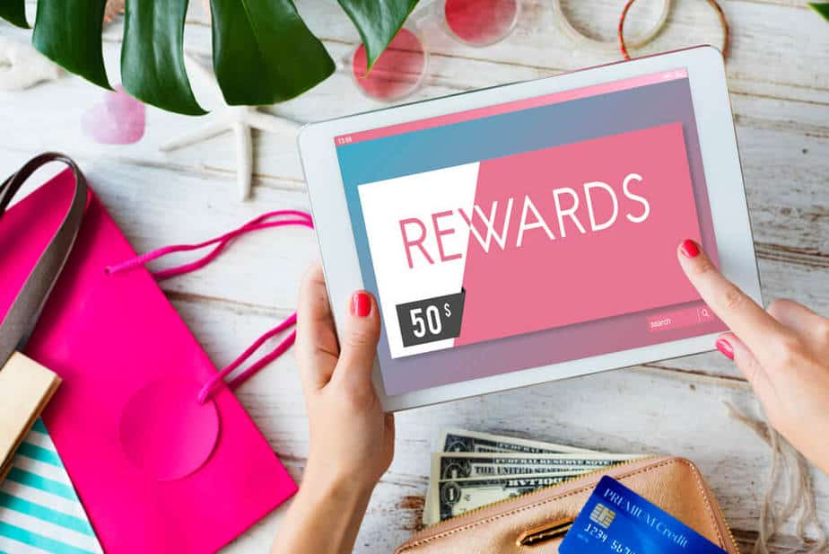 How to compare credit card rewards program in Canada?